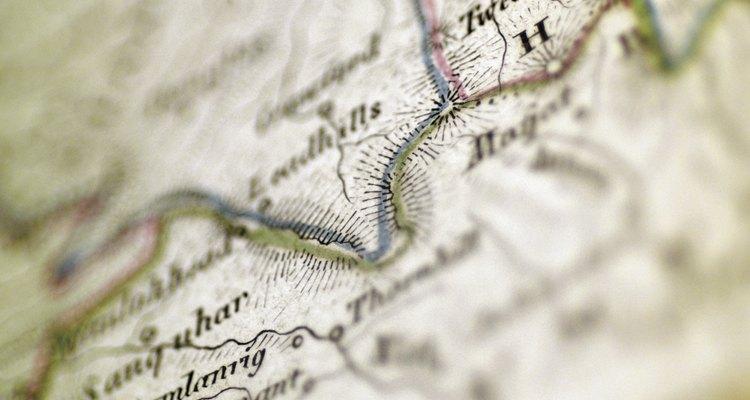 Los cartógrafos usan muchos instrumentos clave para hacer los mapas
