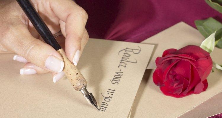 La caligrafía es un ejercicio creativo de ritmo lento para niños, jóvenes y adolescentes.