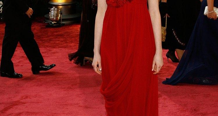 Anne Hathaway com um modelito Marchesa no Oscar 2008