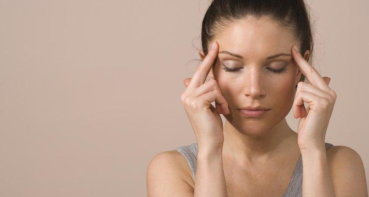 A dor de cabeça é uma sensação comum entre homens e mulheres a partir dos 20 anos
