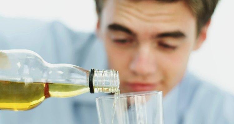 La investigación publicada en la University of Miami identifica objetivos de asesoramiento como útiles para reducir el abuso de alcohol y drogas entre los adolescentes.