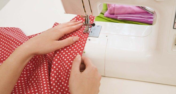 El elástico se desgasta con el tiempo; reemplaza un elástico viejo para que tus pantalones deportivos calcen como nuevos.