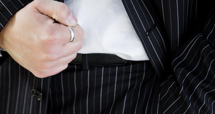 Ternos risca de giz têm uma extensa história na moda americana e inglesa