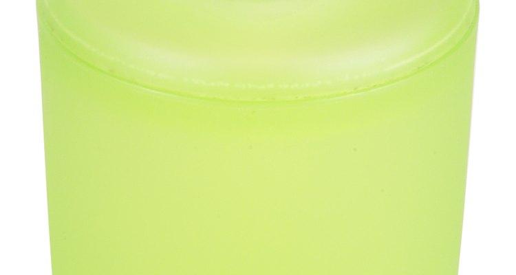 Limpeza natural com o sabão de Castela líquido feito em casa