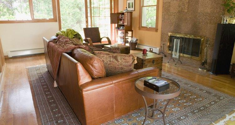 Haz combinar tus sofás con el diseño de la sala de estar.