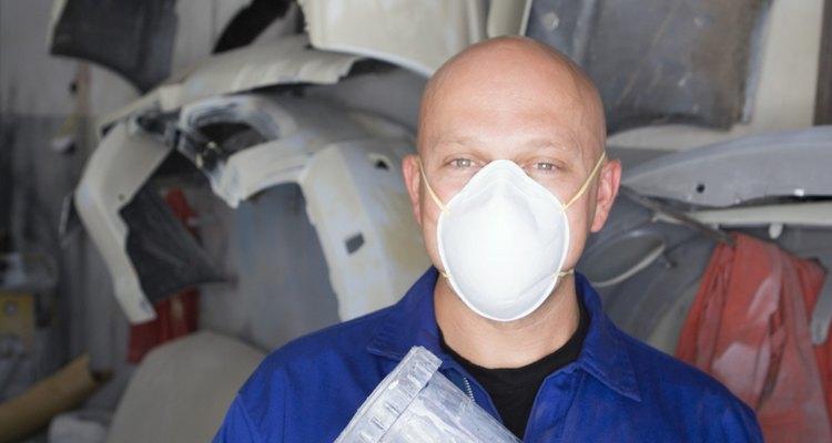 Spraying gel coat generates