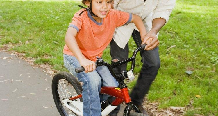 Los niños tienen más confianza en una bicicleta del tamaño adecuado.