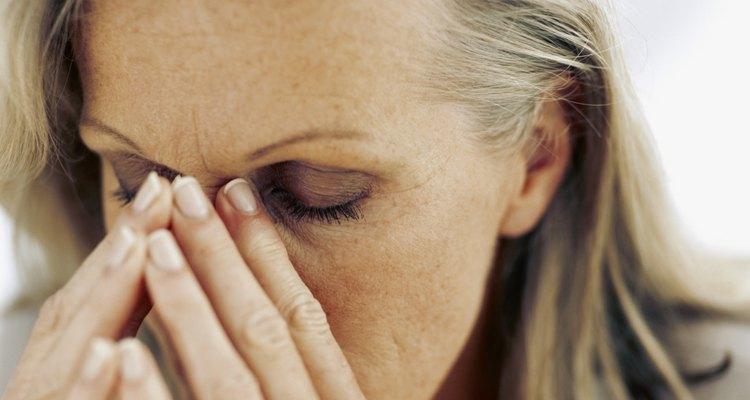 Além do bruxismo, o Lexapro também pode causar insônia, sinusite, dor de cabeça e até pensamentos suicidas