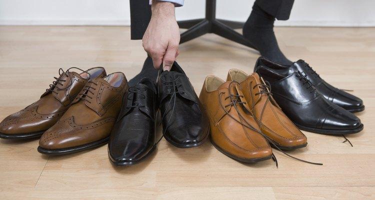 Saiba como tirar manchas de seu sapato de camurça
