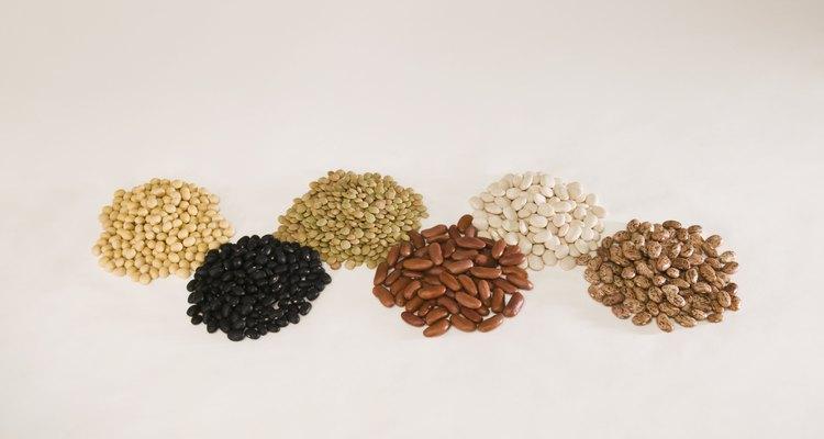 Los frijoles ofrecen sustancias nutricionales como fibra, potasio y vitaminas B.