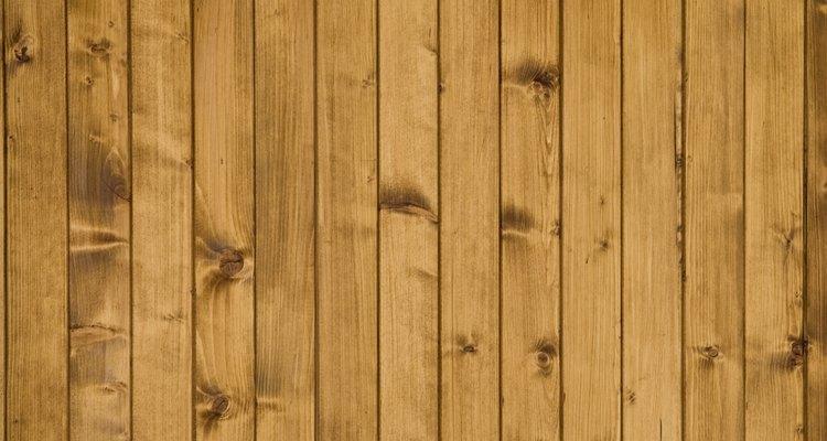 Mude o visual da sua cozinha pintando novamente os lambris de madeira