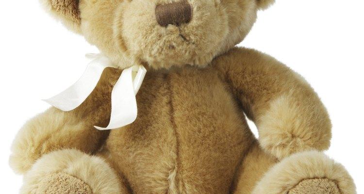 Beginners can sew a teddy bear.