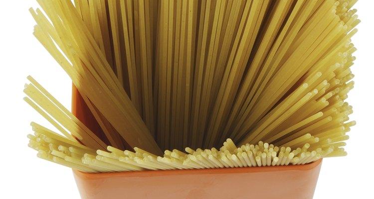 El espagueti combina bien con varias especias y condimentos.