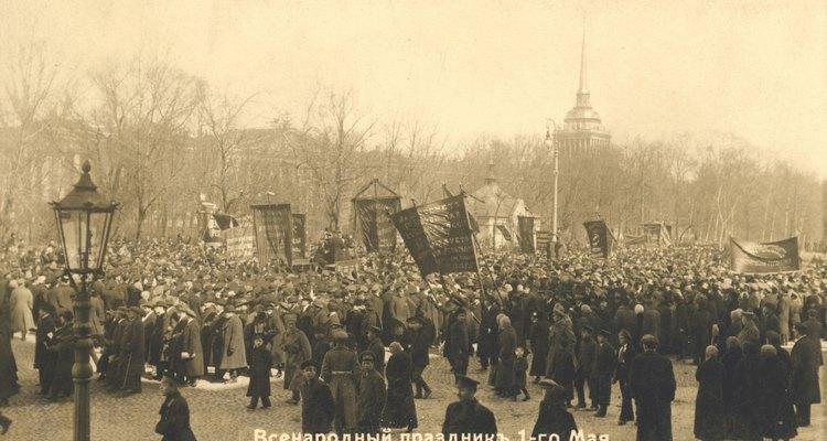 La revolución rusa de 1905 empezó con una manifestación pacífica de los trabajadores.