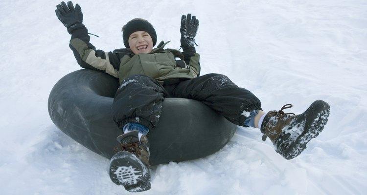 Deslizarse en un neumático sobre la nieve es sólo una de las opciones de aventura en Frisco.