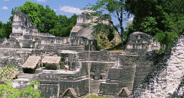 Las ruinas mayas en Tika, Guatemala son parte de los restos de una civilización avanzada.