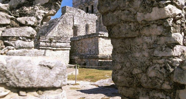 Las plazas interiores de las ciudades precolombinas solían ser los escenarios de los juegos de pelota.