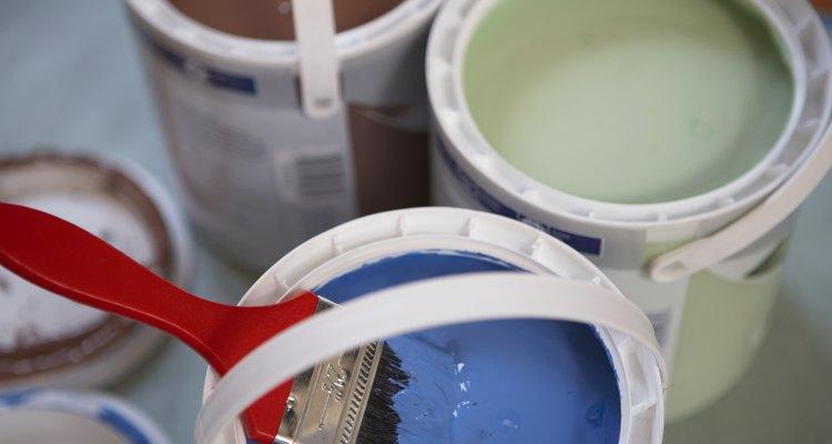 Utiliza la mayor cantidad de pintura que tengas preparada como puedas.