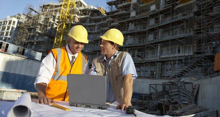 Los requisitos para una licencia de contratista varían según el estado.
