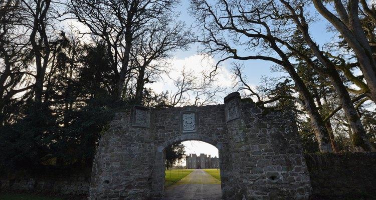 Arco en los terrenos del Scone Palace.