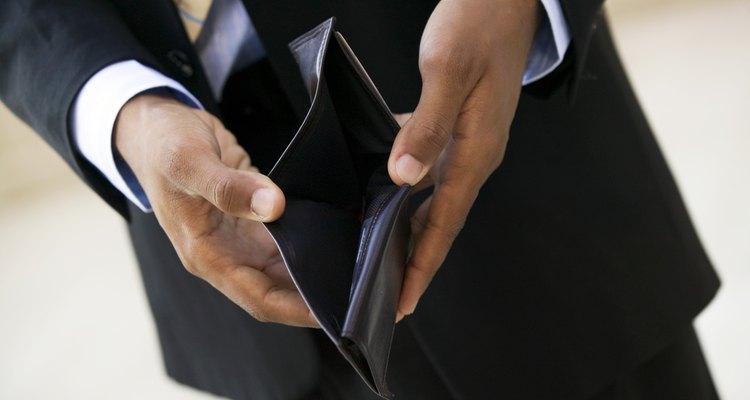 Lo primero que debes hacer es pensar al hacer una billetera es cómo quieres que se vea la misma cuando esté terminada.