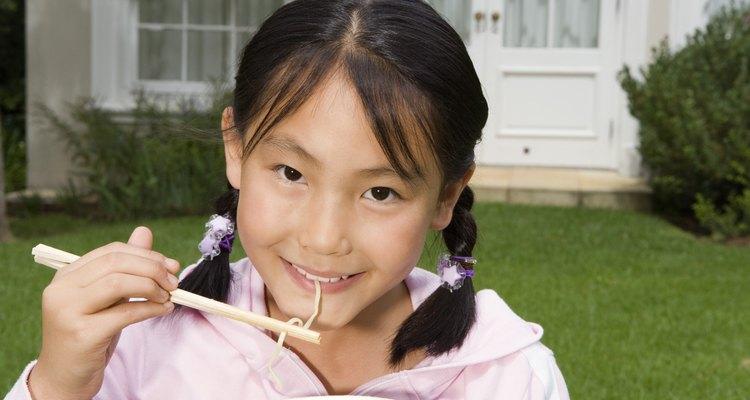 Los palillos chinos son utensilios para ingerir los alimentos.