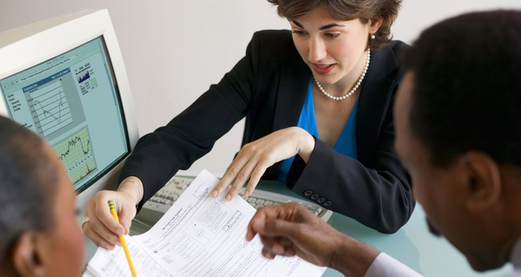 Es necesario contar con diversas certificaciones para avanzar hacia puestos contables gerenciales.