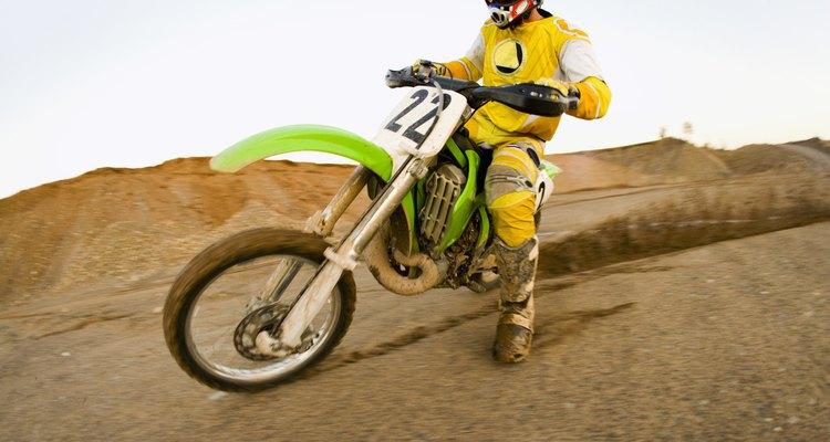 Elimine cheiros desagradáveis de dentro das luvas de motociclismo