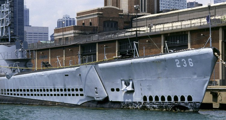 Os submarinos já viajaram milhares de metros abaixo do oceano