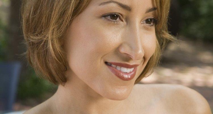 Dejar crecer un peinado bob angular puede llevar algún tiempo.