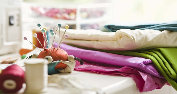 Corte o nylon cuidadosamente
