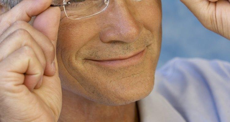 Você pode pintar a armação de seus óculos