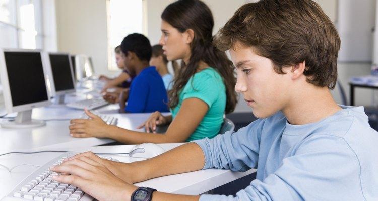 Estudantes não devem ter acesso irrestrito a internet