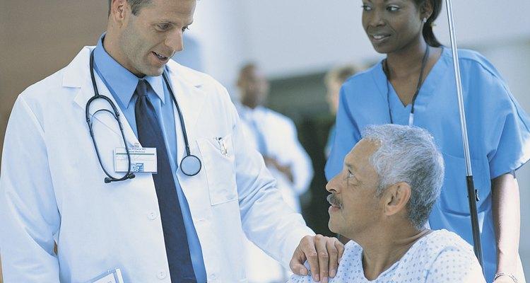 Assistentes podem realizar diversas tarefas com a supervisão de médicos