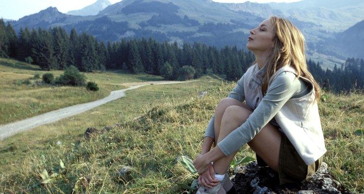 Desde el sendero del río Manistee puedes admirar hermosos paisajes montañosos.