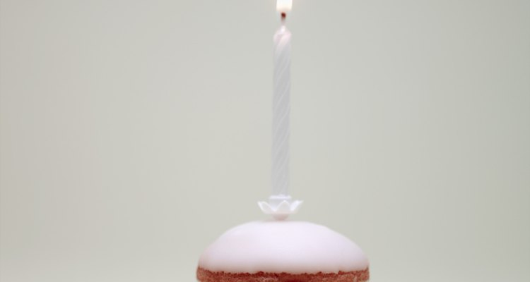 Haz una torta de cumpleaños con los gustos preferidos de tu amado.