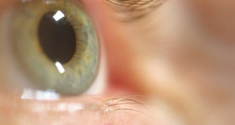 Polímeros são os biomateriais usados em lentes de contato