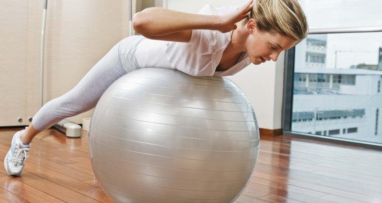 Uma bola de pilates que está inflada o bastante vai oferecer máximo suporte