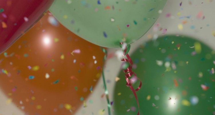 Los arcos de globos se usan para fiestas de cumpleaños o ceremonias.