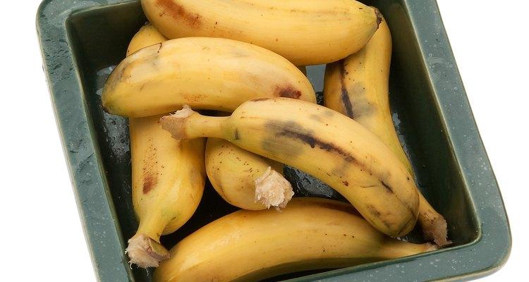 Alimente as suas rosas com bananas velhas