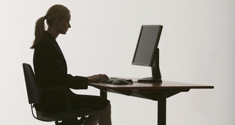 Un escritorio de la altura correcta promueve la comodidad y funcionalidad en el lugar de trabajo.