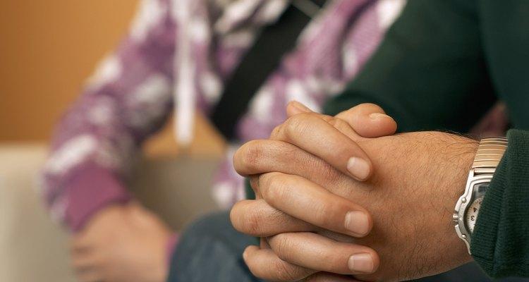 Ayudar a tu adolescente a lidiar con la enfermedad de un amigo requiere de sensibilidad.