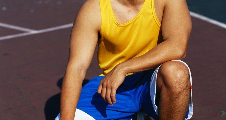 Tênis de basquete limpos mostram que você é sério em relação ao jogo