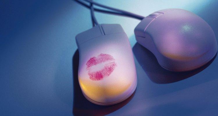 Leia textos românticos sensuais gratuitamente