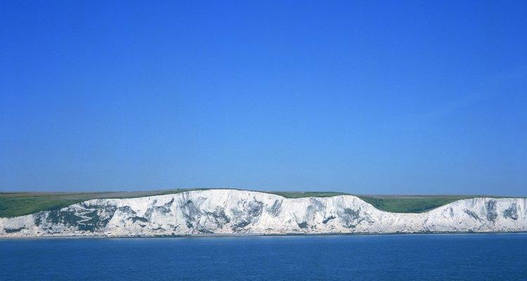 Los acantilados de Dover, en Inglaterra, están hechos de tiza, un tipo de piedra caliza.