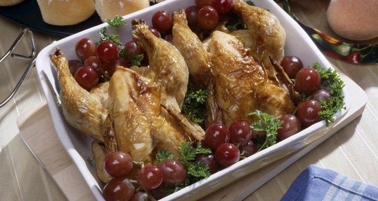 Com a criação e abate de suas próprias galinhas você economizará dinheiro, pois não terá que comprá-las em supermercados