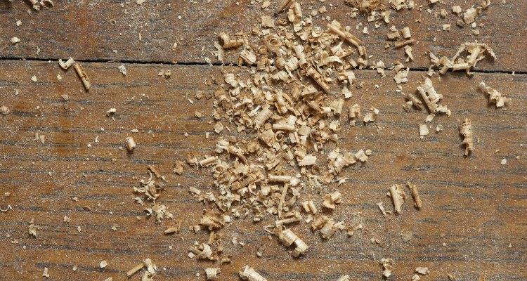 Briquetes de madeira fazem ótimo proveito de serragem e aparas de madeira