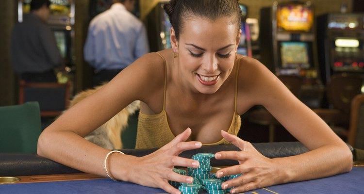 Ajuste sua fantasia para refletir o estilo de uma garota que faz apostas