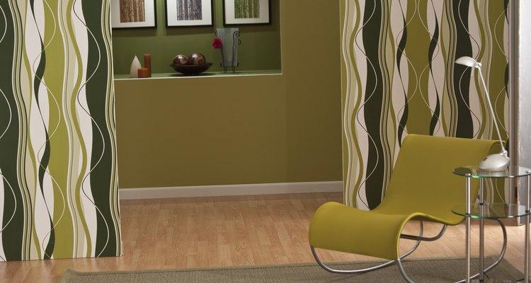 Este patrón básico con unos pequeños cambios, puede adaptarse fácilmente para incorporar un espacio de almacenamiento o una superficie de mesa más grande.