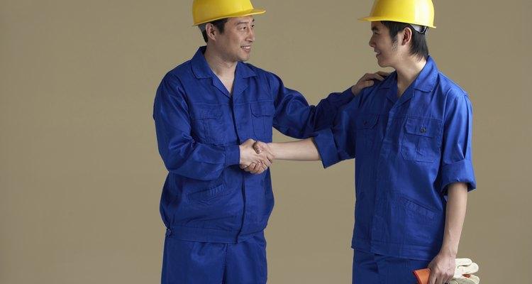 El incumplimiento de un contrato de trabajo puede dar lugar a recursos legales, tales como daños reales y juicios punitivos.